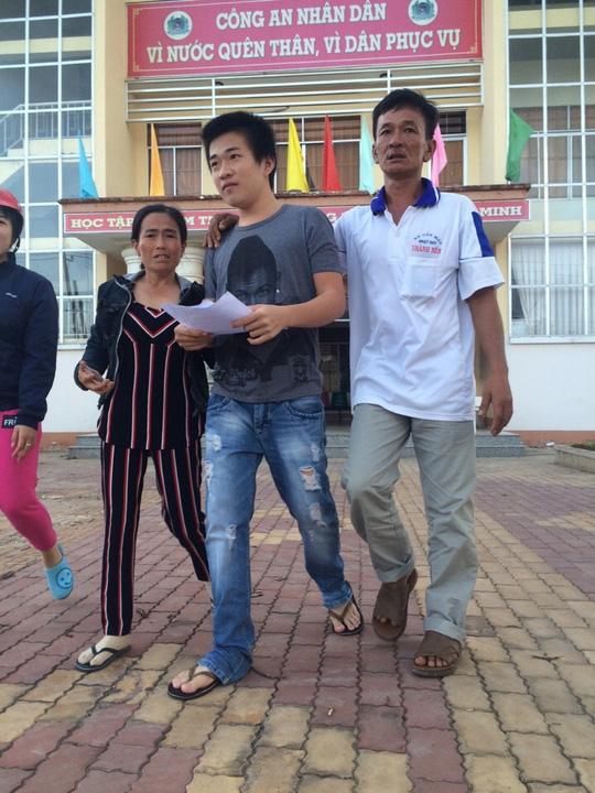 Vụ 3 bị cáo kêu oan ở Cà Mau: Đoàn tụ trong nước mắt - 1