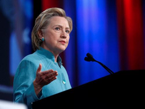 Bà Hillary bị FBI thẩm vấn suốt 3 giờ liền - 1