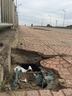 Bê tông cốt xốp ở cầu vượt đường sắt Hà Nội - 2
