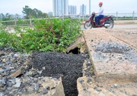 Bê tông cốt xốp ở cầu vượt đường sắt Hà Nội - 7
