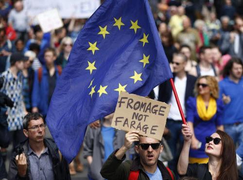 50.000 người rầm rộ biểu tình kêu gọi Anh ở lại EU - 13
