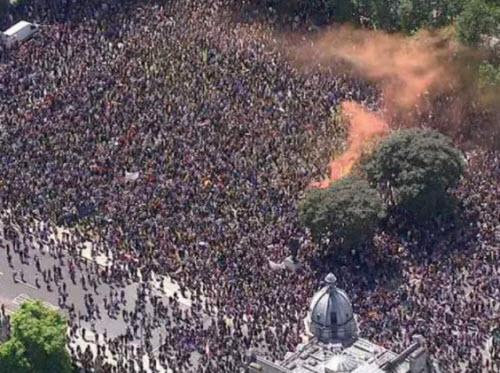 50.000 người rầm rộ biểu tình kêu gọi Anh ở lại EU - 14