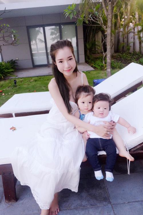 Huyền Baby, Elly Trần xinh đẹp hơn sau khi làm mẹ - 10