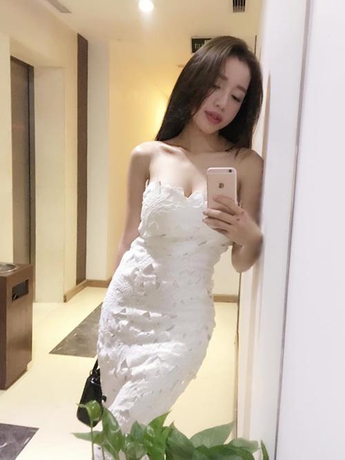 Huyền Baby, Elly Trần xinh đẹp hơn sau khi làm mẹ - 12