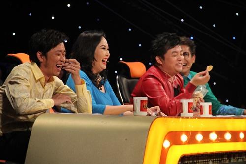 """Hoài Linh khiến Quang Lê """"đỏ mặt"""" trên ghế nóng - 3"""