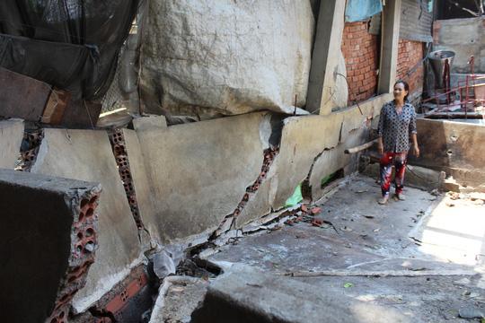 Rùng mình hàng chục căn nhà nứt toác bên sông Đồng Nai - 12