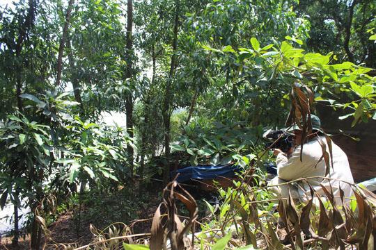 Rùng mình hàng chục căn nhà nứt toác bên sông Đồng Nai - 13