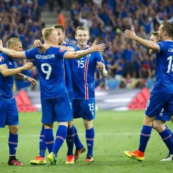 """Vì sao toàn bộ nam giới Iceland có tên đuôi """"sơn""""? - 2"""