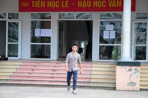 Hà Nội: 17 cán bộ phục vụ 1 thí sinh dự thi môn Hóa học - 2