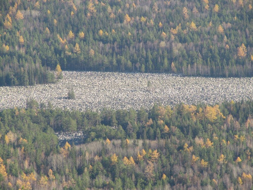 Khám phá dòng sông đá kỳ lạ ở Nga - 2