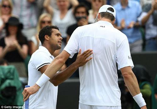 Wimbledon ngày 7: Tsonga, Isner và trận đấu dài nhất giải - 1