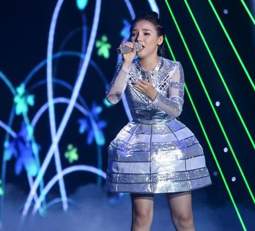 Thí sinh giả gái gây sốc tại X-Factor - 4
