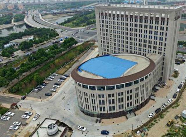 TQ: Tòa nhà trường học giống hệt toilet khổng lồ - 2