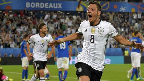 Bán kết Euro: Đại chiến các vì sao & cổ tích tiếp diễn - 2