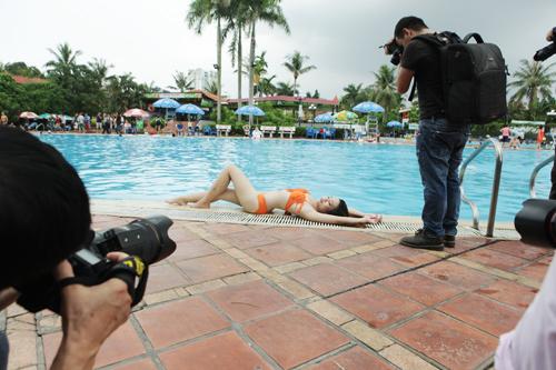 Hậu trường chụp bikini làm từ thiện gây xôn xao HN - 2
