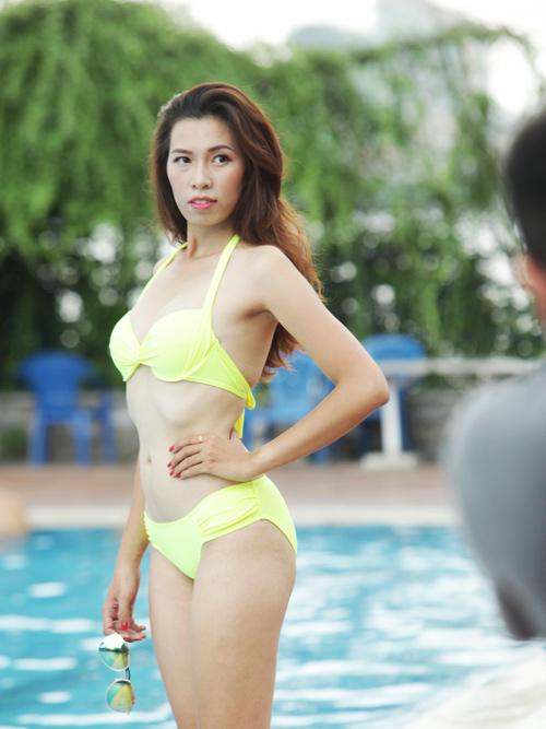 Hậu trường chụp bikini làm từ thiện gây xôn xao HN - 8