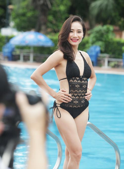 Hậu trường chụp bikini làm từ thiện gây xôn xao HN - 10