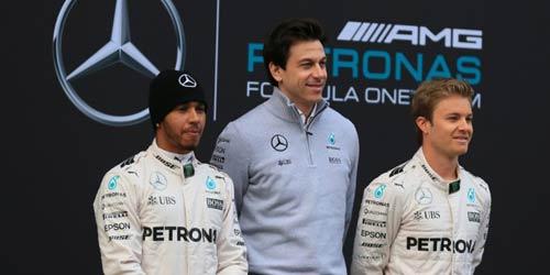 F1, Mercedes đấu đá: Tại anh hay tại ả - 1