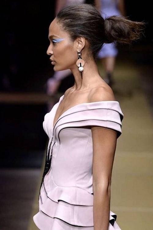 Irina Shayk siêu quyến rũ trong thiết kế của Versace - 8