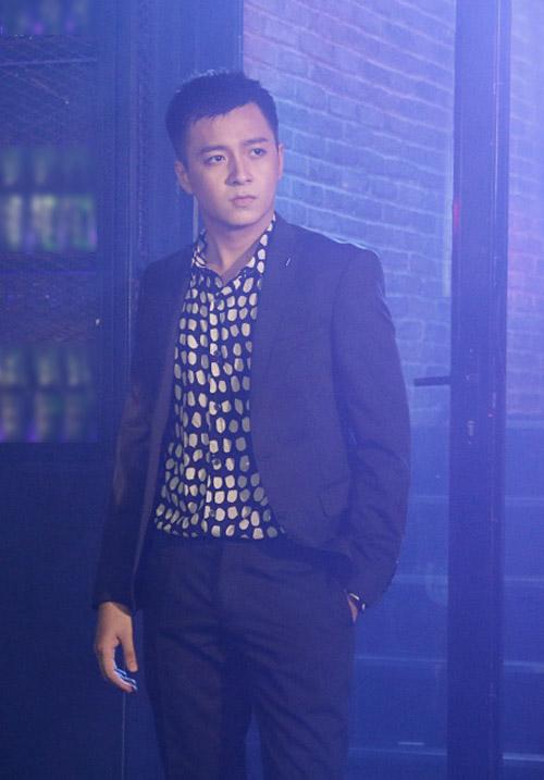 """Ngô Kiến Huy lột xác làm """"trai hư"""" trong MV mới - 3"""