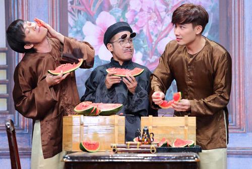 Chí Thiện bị Hoài Linh ép ăn cá sống trong gameshow - 2