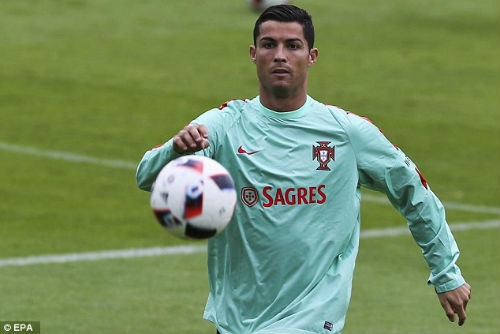 Trước thềm bán kết, Ronaldo bị chê thi đấu nhàm chán - 1