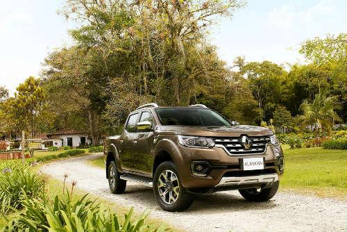Renault Alaskan mới: Gã cao bồi thách đấu Toyota Hilux - 1