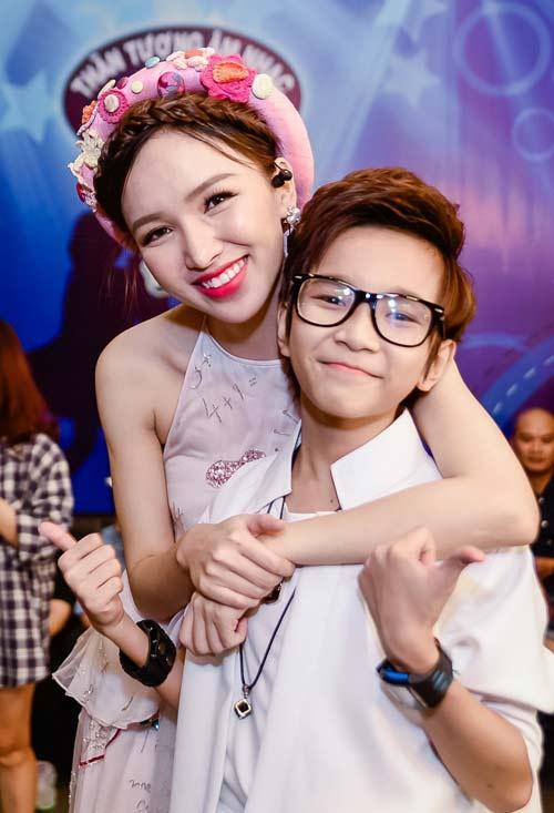 """VN Idol Kids: """"Soái ca nhí"""" bị Văn Mai Hương cảnh cáo - 7"""