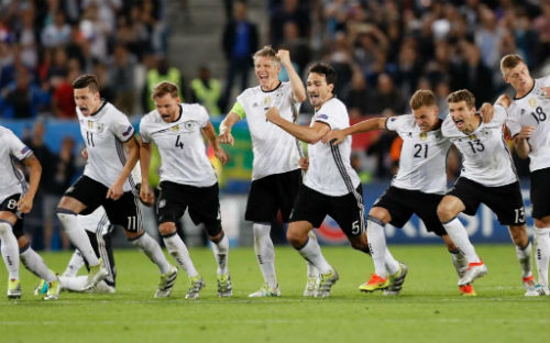 """Bán kết EURO: ĐT Đức có còn là """"chúa tể hắc ám""""? - 2"""