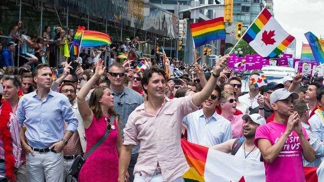 Thủ tướng đẹp trai Canada diễu hành cùng người đồng tính - 1