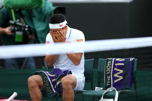 Wimbledon ngày 8: Chị em Serena vào tứ kết - 2
