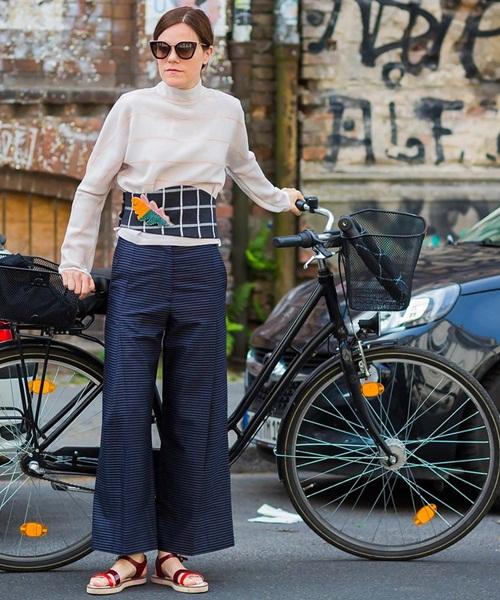 Các tín đồ Berlin mặc gì đi xem thời trang? - 13