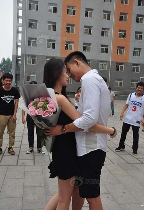Thiếu gia TQ mang xe sang tỏ tình với nữ sinh viên - 5