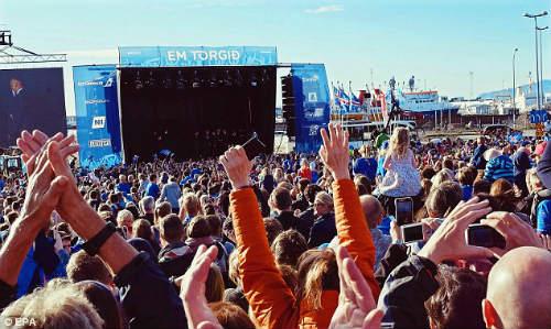 Euro 2016: Iceland được chào đón như nhà vô địch - 4