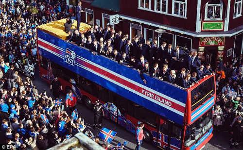 Euro 2016: Iceland được chào đón như nhà vô địch - 3