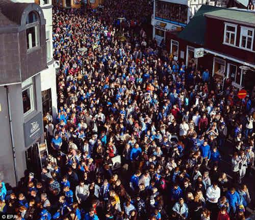 Euro 2016: Iceland được chào đón như nhà vô địch - 7