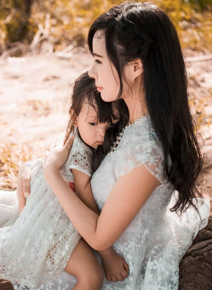 Bất ngờ với nụ cười đẹp của 2 cô gái Việt từng sứt môi - 7