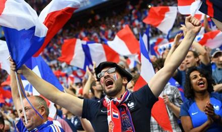 Nước Pháp bây giờ mới thực vui - 1