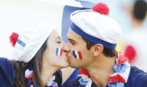 Nước Pháp bây giờ mới thực vui - 2