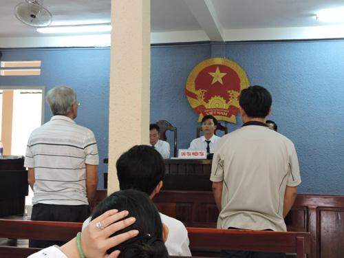 Gay cấn phiên tòa xét xử vụ vé số trúng giải độc đắc - 1