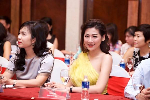 BTC Hoa hậu Việt Nam trả lời về thị phi của Kỳ Duyên - 5