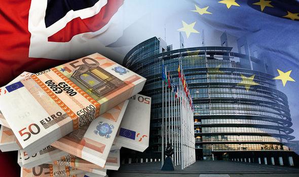 Brexit: Anh vẫn phải nộp 300 tỉ đồng cho EU - 1