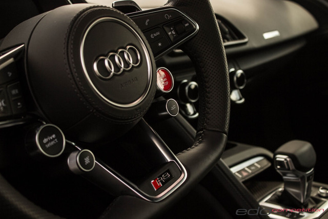 Audi R8 V10 độ có ngoại hình tương tự Lamborghini Centenario - 4