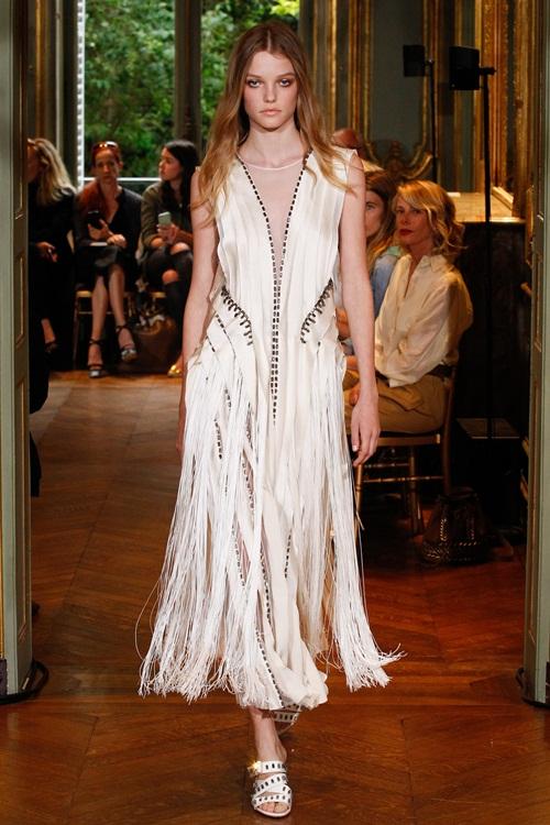 Ngắm những mẫu váy quá gợi cảm của Alberta Ferretti - 1