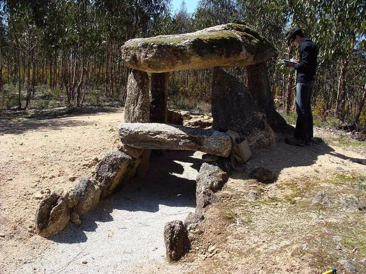 Mộ cổ 6000 năm là kính thiên văn đầu tiên trên thế giới? - 3