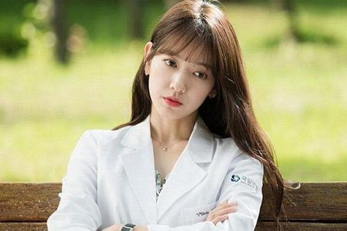 Những màn hóa thân ấn tượng của kiều nữ Park Shin Hye - 1