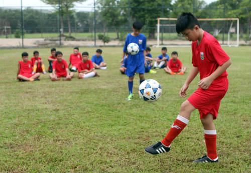 Bình Dương săn tài năng bóng đá trẻ - 2