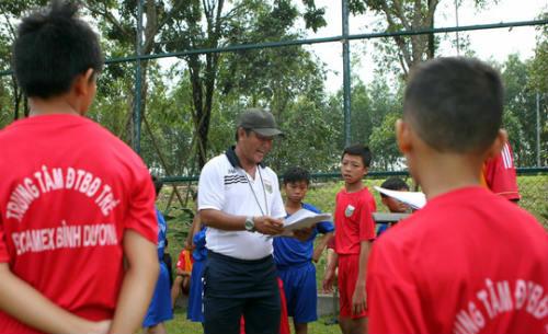 Bình Dương săn tài năng bóng đá trẻ - 6