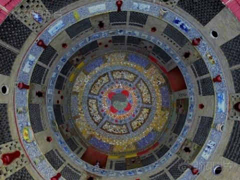 Ngắm cung điện gốm sứ gần 17 tỷ của cụ bà 86 tuổi - 8