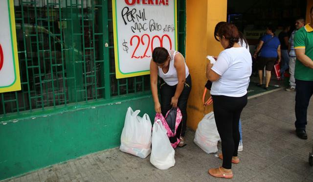 500 chị em Venezuela vượt biên mua đồ ăn, giấy toilet - 3